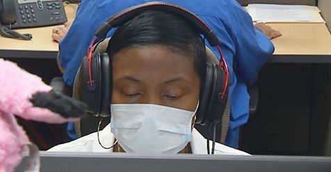 call center rep wearing a mask